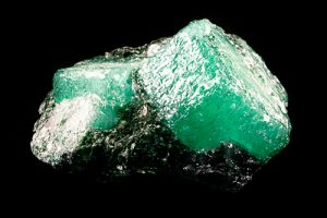 gemmologische-gemmologia-gemmologie-gemmologisque-gemologia-edelsteine-smeraldo-emerald-emerald mine.emerald gem-emerald gemstone