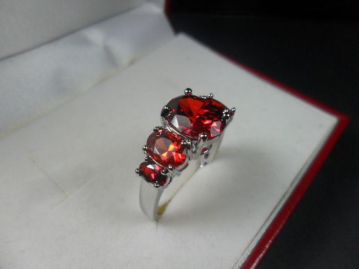 anello-montataura-granato gemma-gemmologia-garnet gemstone-garnet stone-garnet gemstones-gemstone garnet-gemstones garnet