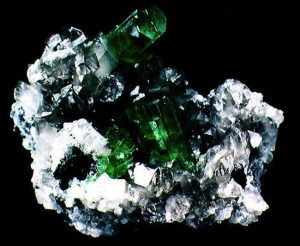 rough stones-esmeralda bruta-emeraudes-smeraldo-grezzo-rough emerald-smeraldi grezzi