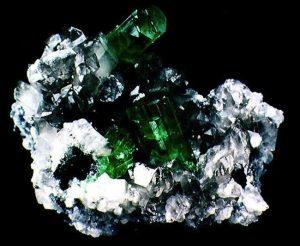smeraldo-grezzo